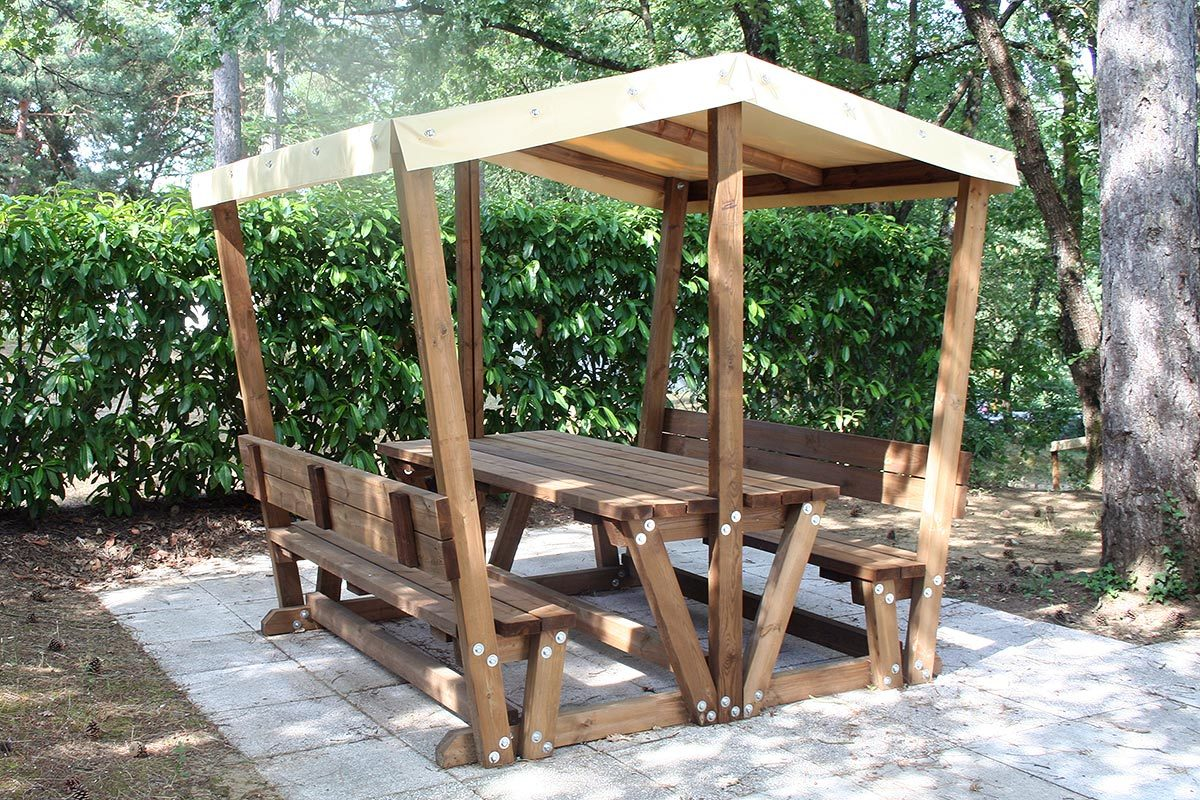 mobilier-table-gratillon-couverte